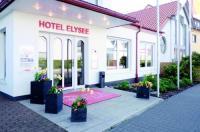 Hotel Elysee Image