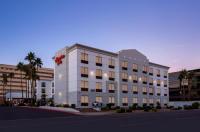 Hampton Inn Phoenix-Biltmore Image