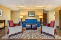 Comfort Suites Summerville Image
