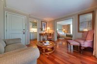 Hotel Vespucci Suites Image