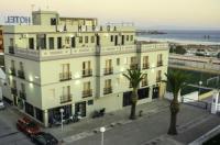 Hotel La Mirada Image