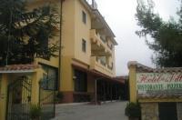 Hotel De La Ville Image