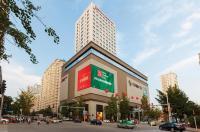 Hilton Garden Inn Dandong Image