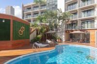 Polynesian Residences Waikiki Beach Image
