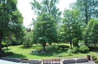 La Roseraie. Gaume-Ardenne-lacuisine sur Semois. Image