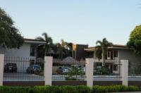 Hotel Colono Beach Image