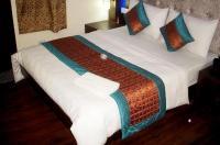 Hotel Tashkent Palace Image