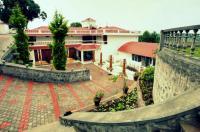 Summer House Resort Image