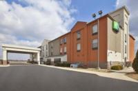 Holiday Inn Express Tiffin Image