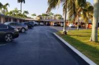 Deluxe Inn Motel - Homestead Image
