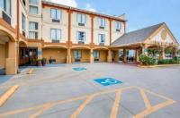 Comfort Inn & Suites Market Center Image