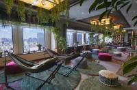 Keio Plaza Hotel Image