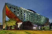 Hotel Unique Image