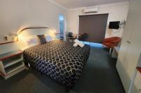 Hume Inn Motel Image