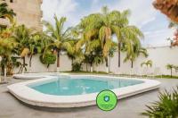 Hotel Parador Image