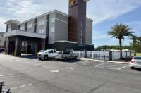 La Quinta Inn & Suites Gonzales Image