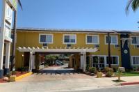 Sandyland Reef Inn Image