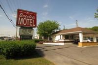 Satelite Motel Image