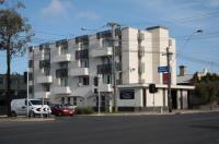 Econo Lodge Parkville Place Image