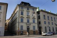 Dockside Hostel Old Town Image