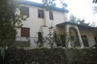 Flora's House Image