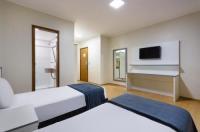 Carillon Plaza Hotel Image