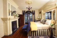 Ledson Hotel & Zina Lounge Image
