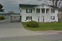 Embassy Motel Image