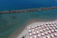 Hotel Valeria Del Mar Image