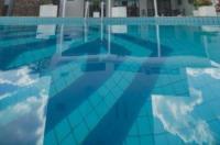 Bristol Exceler Plaza Hotel Image