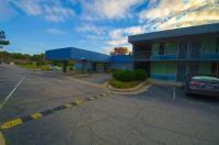 Economy Inn & Suites I-95 Exit 145 - Battleboro Image