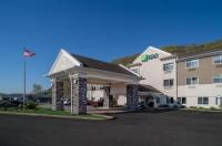 Holiday Inn Express Charleston Image