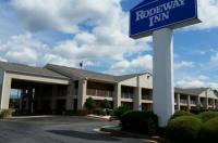 Rodeway Inn - Perry Image
