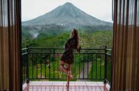 Hotel Arenal Kioro Suites & Spa Image