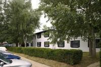Premier Inn Cobham Image