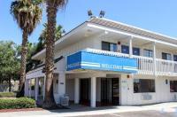 Motel 6 Coalinga East Image