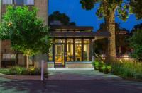 University Inn Image