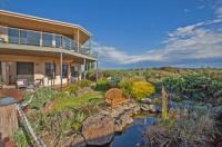Hilltop Apartments Phillip Island Image