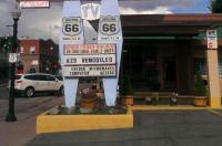 9 Arizona Motor Hotel Image
