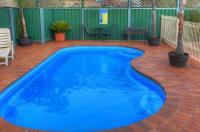 Endeavour Court Motor Inn Image