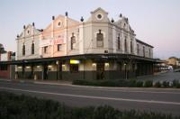 Peden's Hotel Image