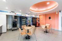 Motel 6 - Moosomin Image