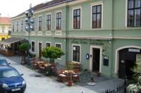 Arany Strucc Hotel Image