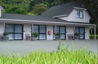 Camellia Court Motel Image