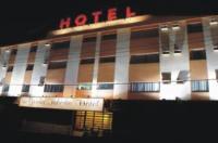 Grand Hotel Taboao Image