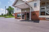 Econo Lodge Glens Falls Image
