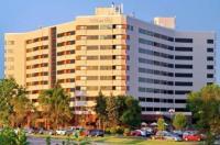 Hilton Suites Chicago Oak Brook Image