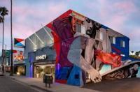 Inn At Marina Del Rey Image