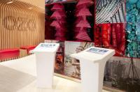 Ozo Wesley Hong Kong Image