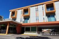 Hotel Azteca Inn Image